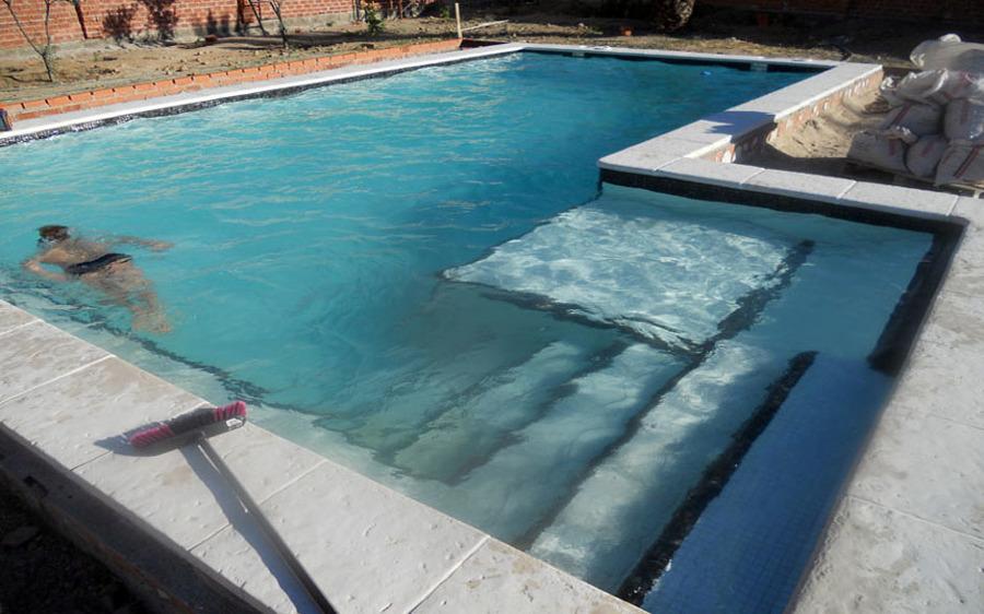 Foto piscina cuadradas privada de todosty 348128 for Piscinas portatiles cuadradas