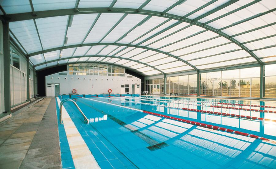 Foto piscina cubierta de lumbier de arian construcci n for Piscina cubierta zaragoza