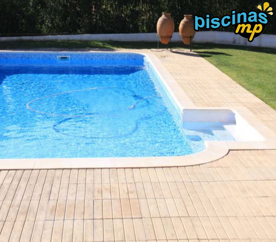 Foto piscina de acero con entrada lateral de piscinas mp for Piscinas de acero