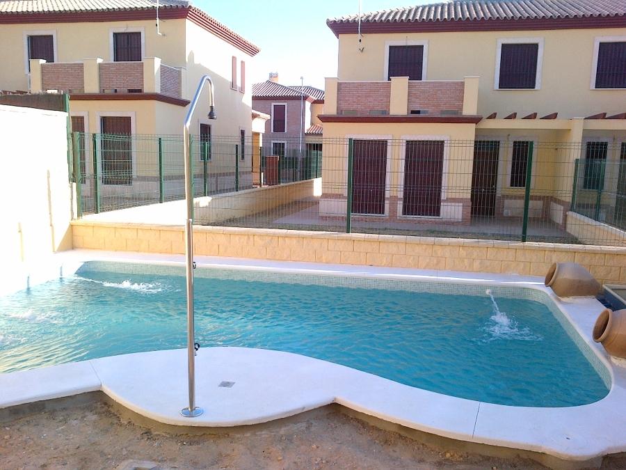 Foto piscina de forma de piscinas andalusi 310373 for Formas de piscinas