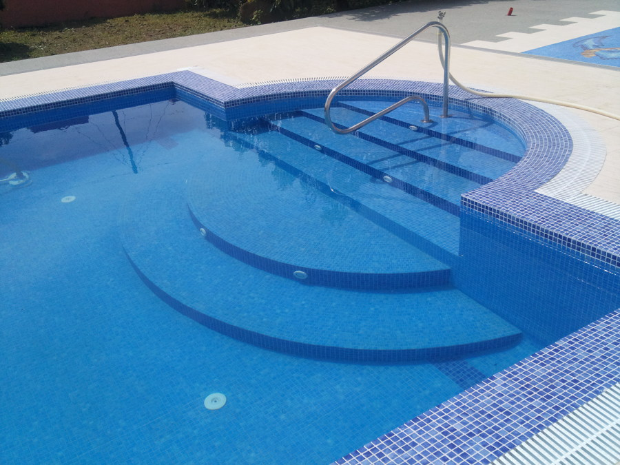 Foto piscina de hormig n armado de thermopool 550900 for Costo piscinas hormigon