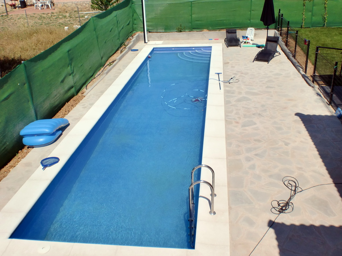 Foto piscina de hormig n gunitado 14 x 3 m de piscinas y for Precio construccion piscinas hormigon