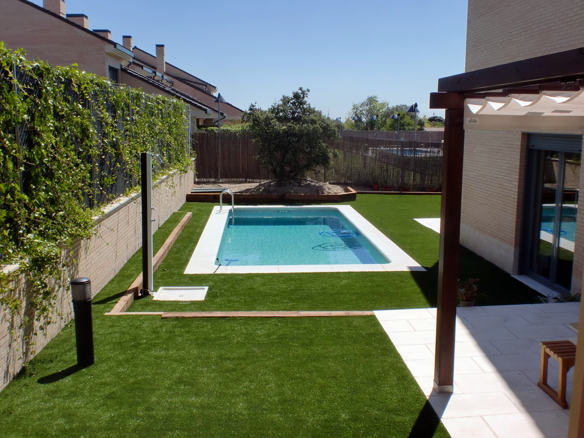 Foto piscina de hormig n gunitado modelo cl sico de - Piscinas prefabricadas precios ...