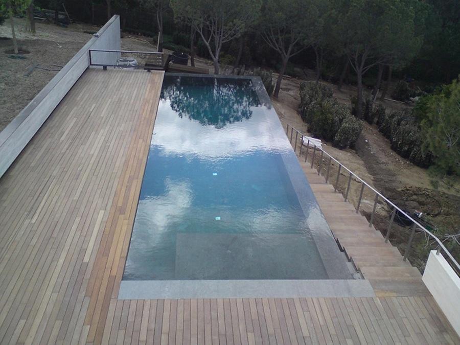 Foto piscina desbordante de piscinas hidromatic rosell for Detalle constructivo piscina desbordante