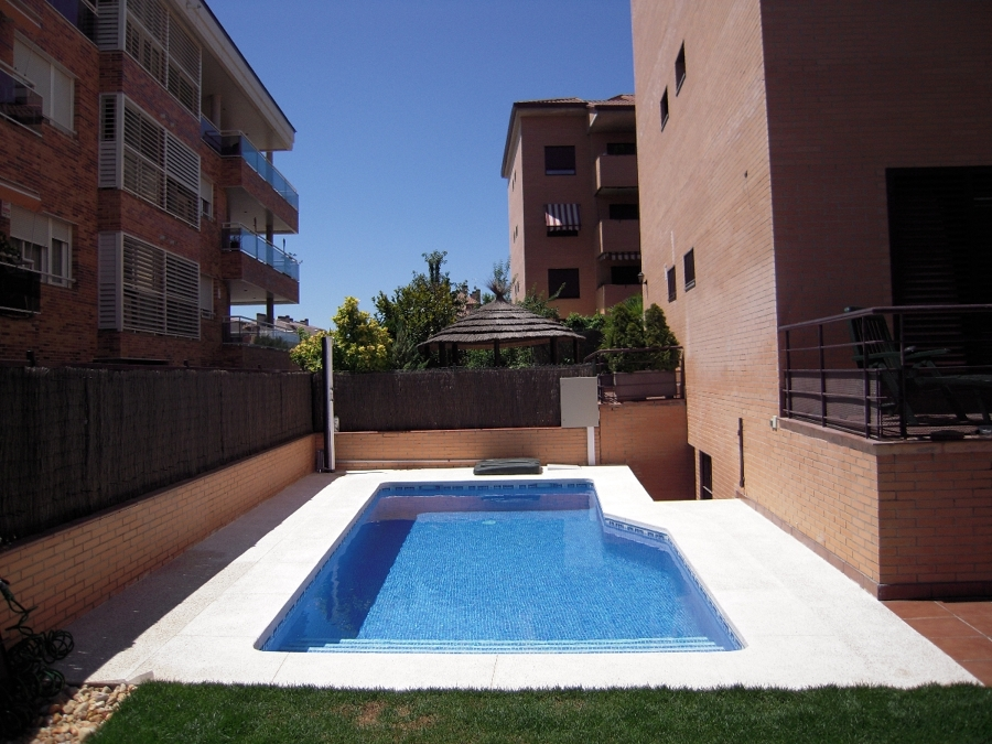PISCINA EN PATIO