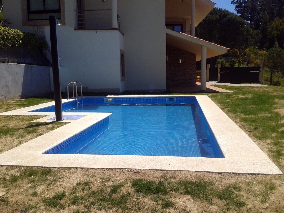 Foto piscina escalera exterior de piscinas fraiz 387451 - Escaleras de piscinas baratas ...