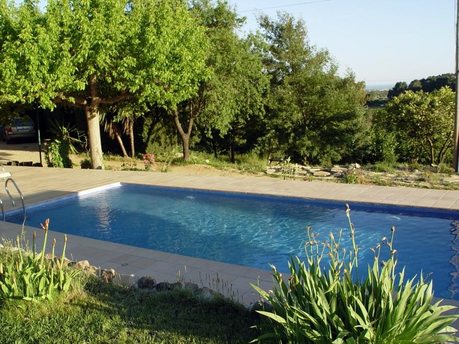 Foto piscina exteriores 3 de cuarzo piscinas y for Piscinas exteriores