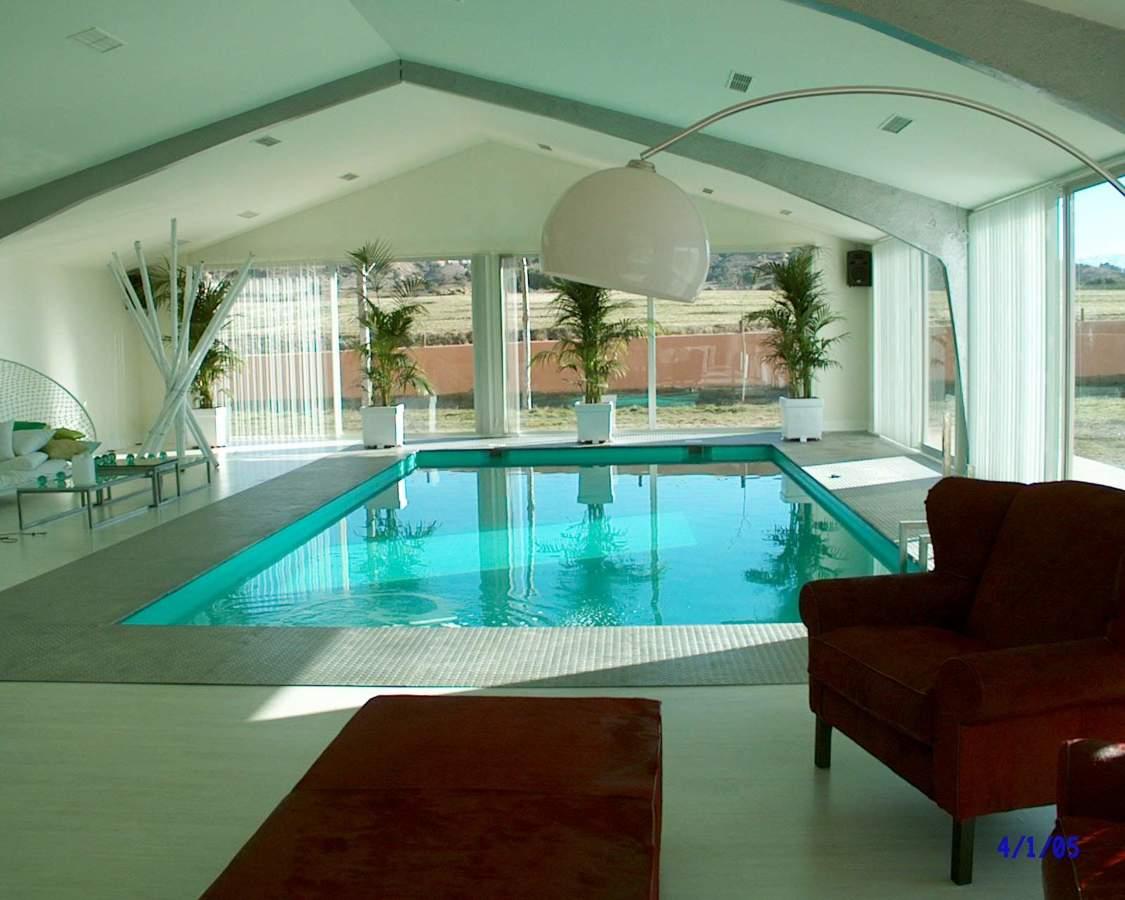 foto piscina interior de 10x5 m de piscinas y