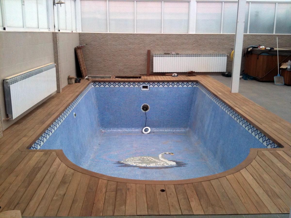Foto piscina interior torrelodones de jardines paco s l for Piscina torrelodones