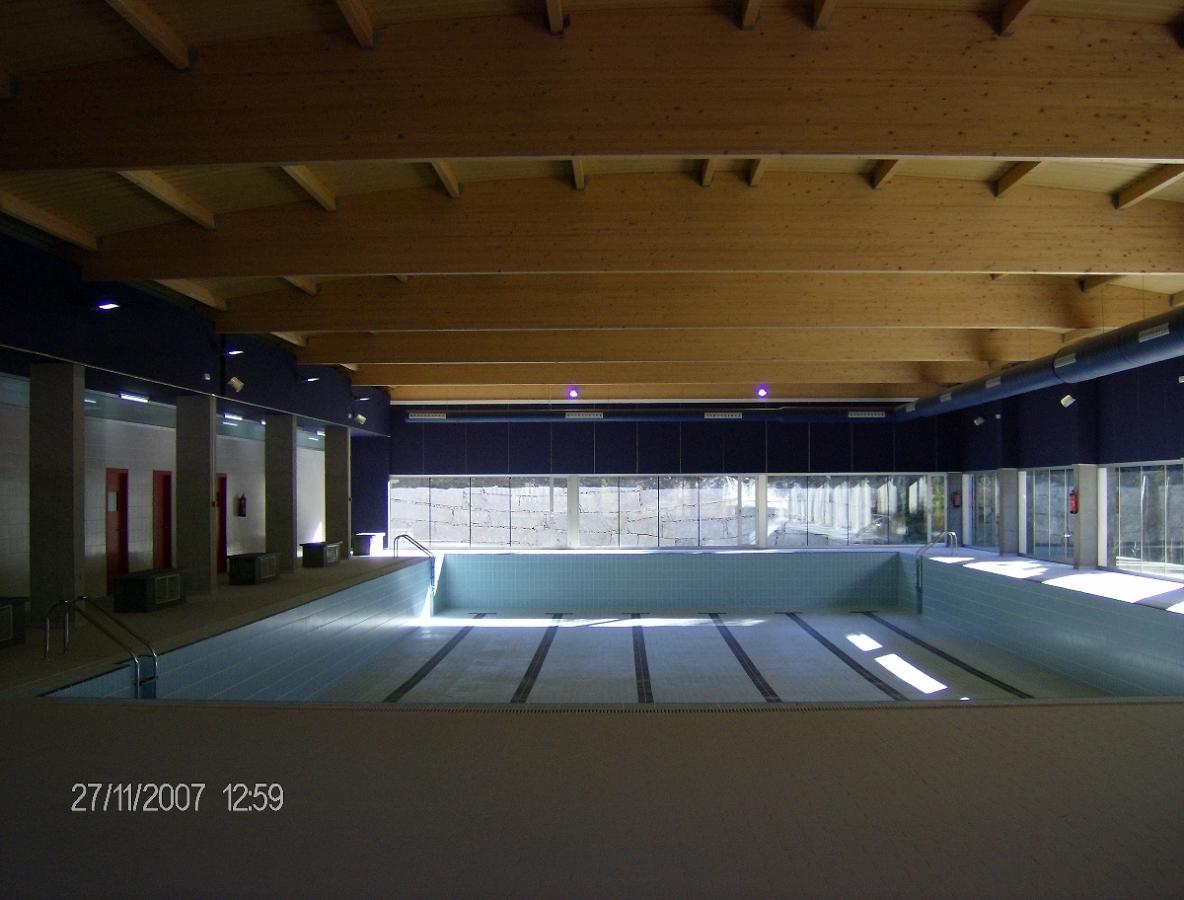 Foto piscina municipal de rianxo de miguel ngel 195647 for Piscina municipal girona