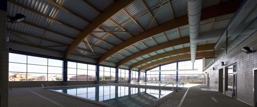 Foto piscina municipal ribarroja del turia de arquitecto for Piscina municipal lugo