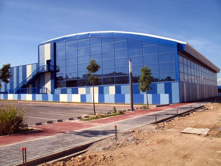 Foto piscina municipal ribarroja del turia de arquitecto for Piscina municipal avila