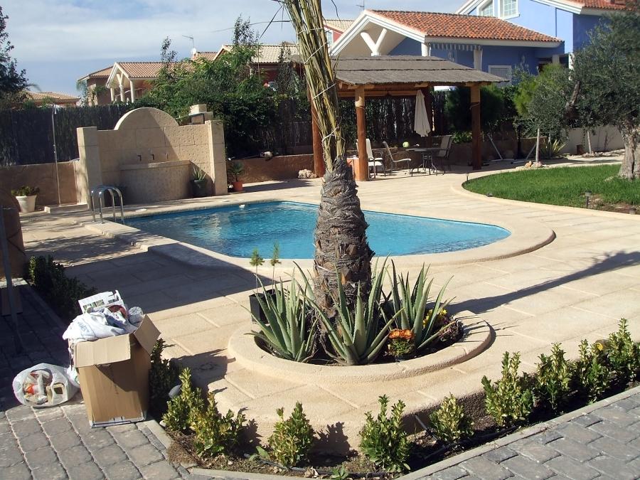 Foto piscina pergola y entornos t de cotillas de for Pergolas para piscinas