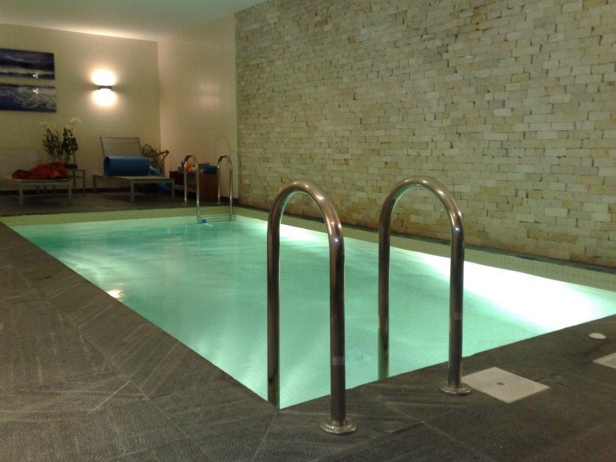 Foto piscina privada climatizada de instalaciones for Piscina climatizada teruel