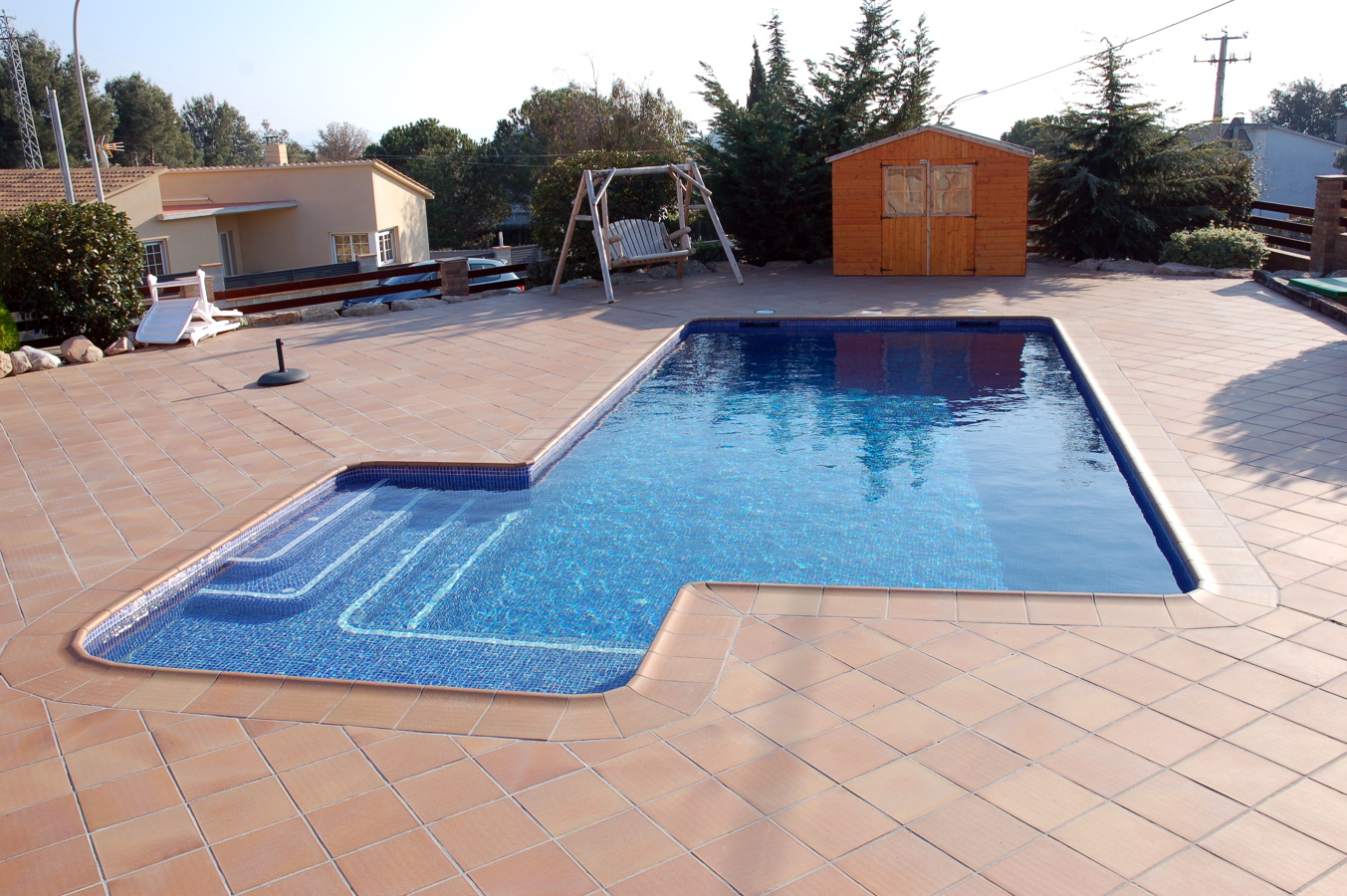 Foto piscina rectangular de piscines munt 251092 habitissimo - Piscina arabial granada precios ...