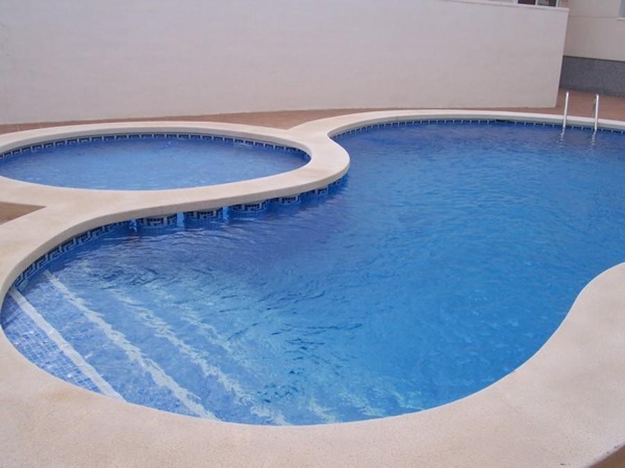 Foto piscina unida a otra de piscinas tomelloso 1297008 for Piscinas tomelloso