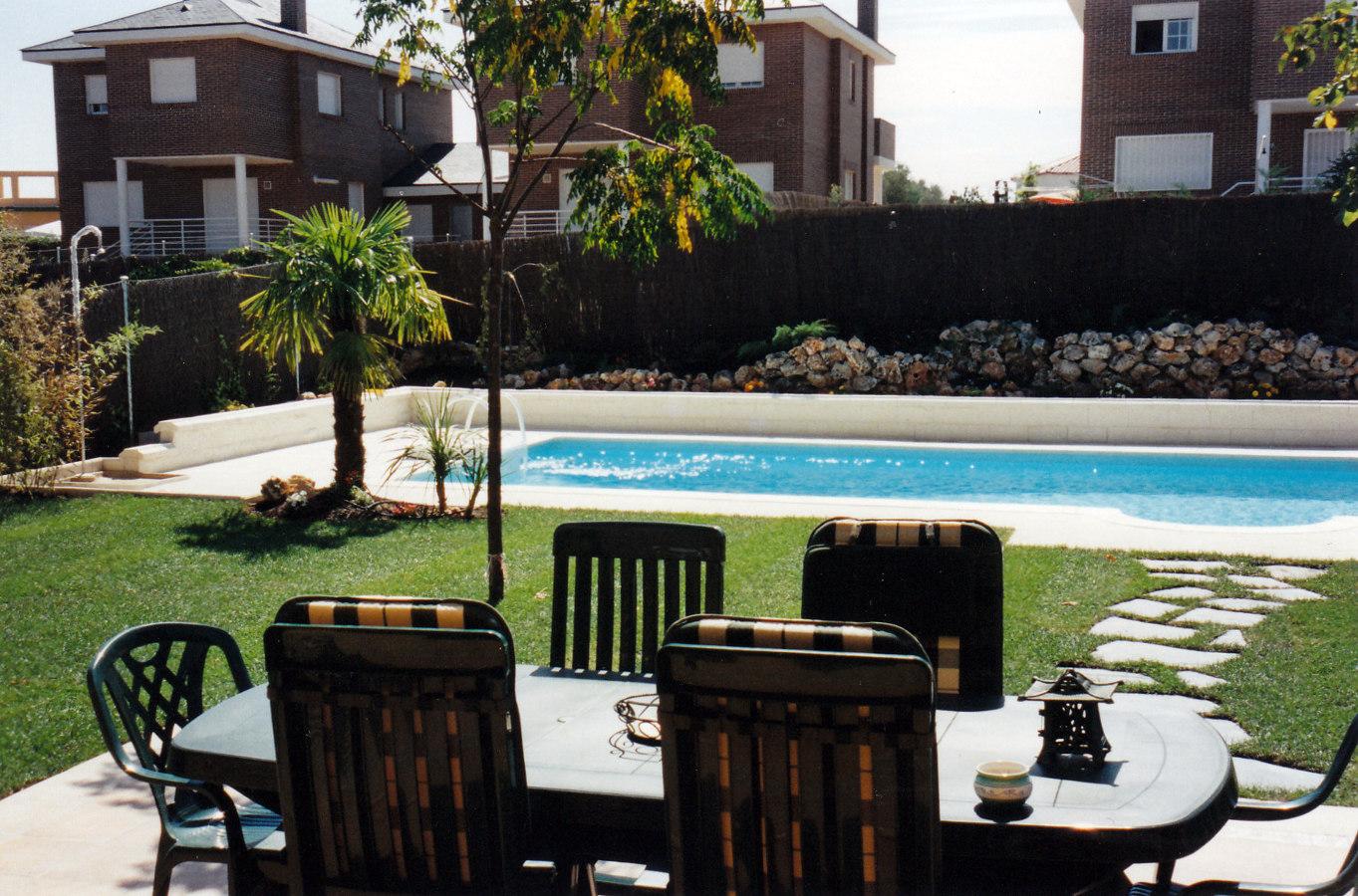 Foto piscina y jardin sevilla la nuena de jardines paco s for Piscina ciudad jardin sevilla