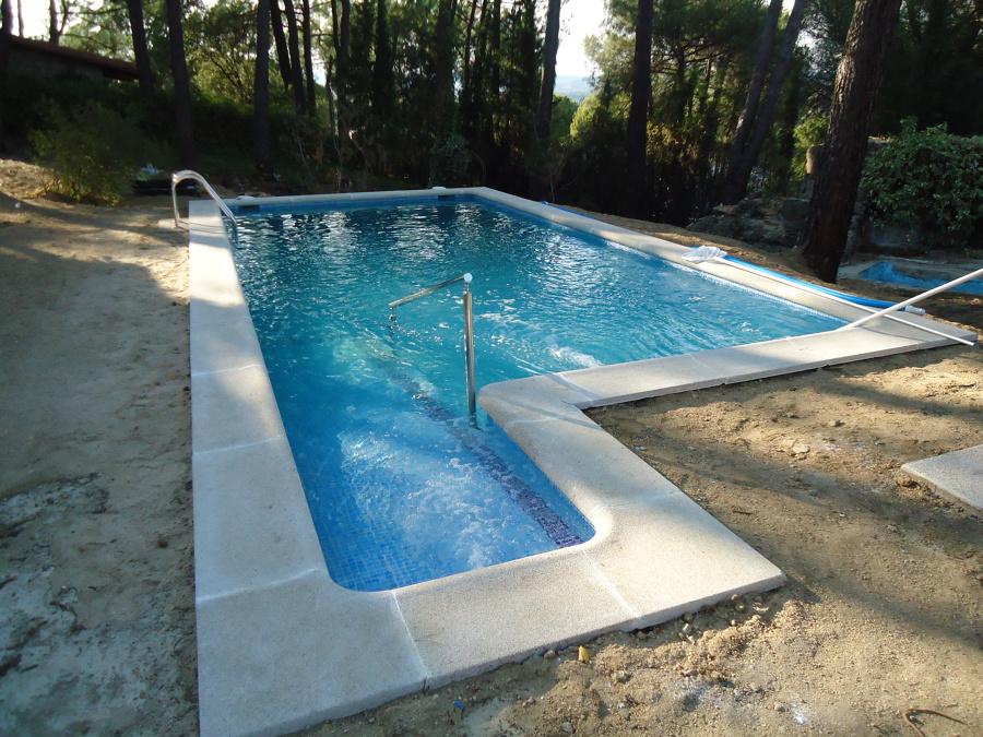 Foto piscina de sanchez yuste sl 515253 habitissimo for Construccion de piscinas en granada