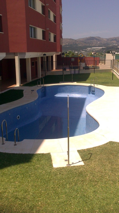 Foto piscinas de formas de piscinas leal 416948 for Formas para piscinas
