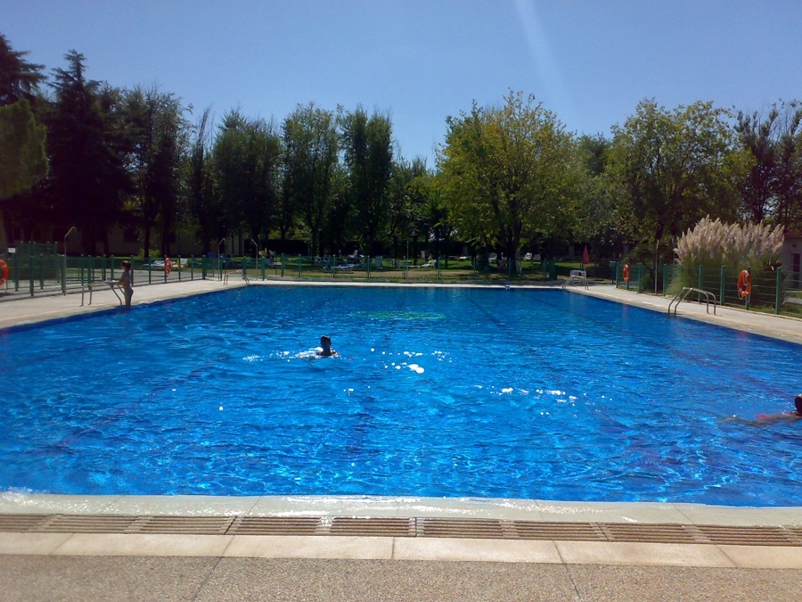 foto piscinas grandes superficies de fortus piscinas s l