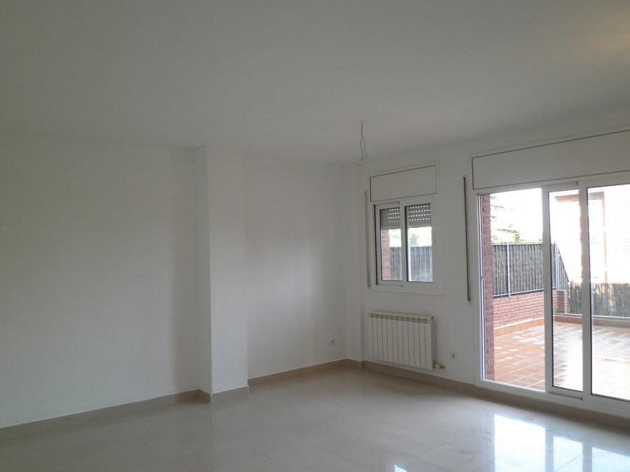 Foto piso blanco de sadoc decoraci n 546226 habitissimo for Decoracion piso blanco
