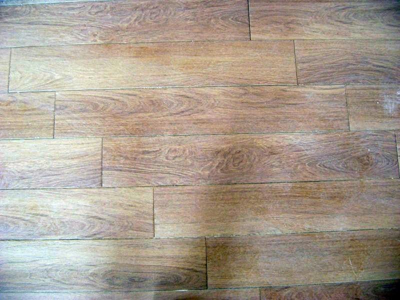 Foto piso imitacion madera tipo tablilla 15 x 60 de for Piso imitacion madera