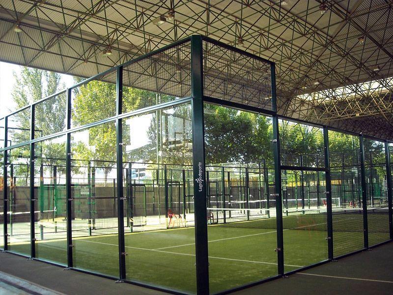 Foto pista de p del la jaula de calidad deportiva s l for Pistas de padel malaga