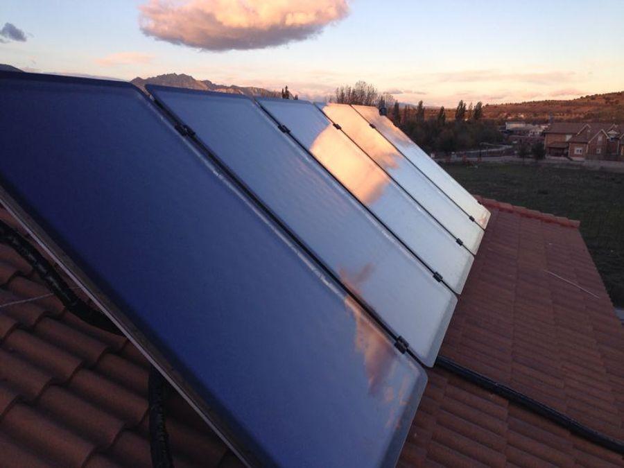 Foto placas solares de soin obras y reformas s l 591233 for Placas solares barcelona