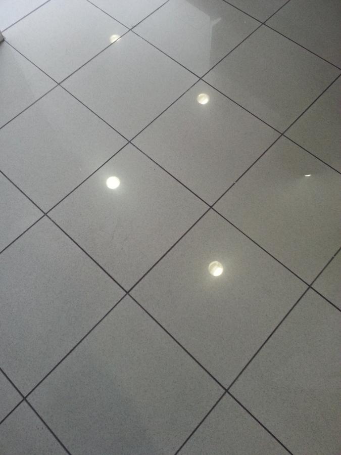 Foto plaquetas en suelo de soluciones edificaciones y - Plaquetas suelo exterior ...