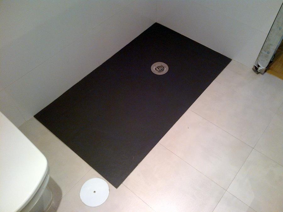 Foto plato de ducha a nivel de resinas en formato a for Plato ducha resina a medida