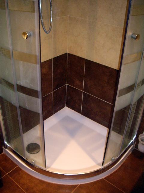 Foto plato de ducha con mampara de cristal de reformas - Plato ducha con mampara ...
