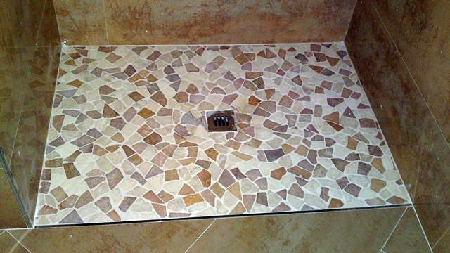 Foto plato de ducha de obra a nivel del suelo de reformas for Ducha sin plato suelo