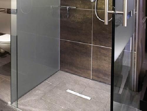 Foto plato de ducha enrasado a suelo de armados for Platos de ducha a ras de suelo