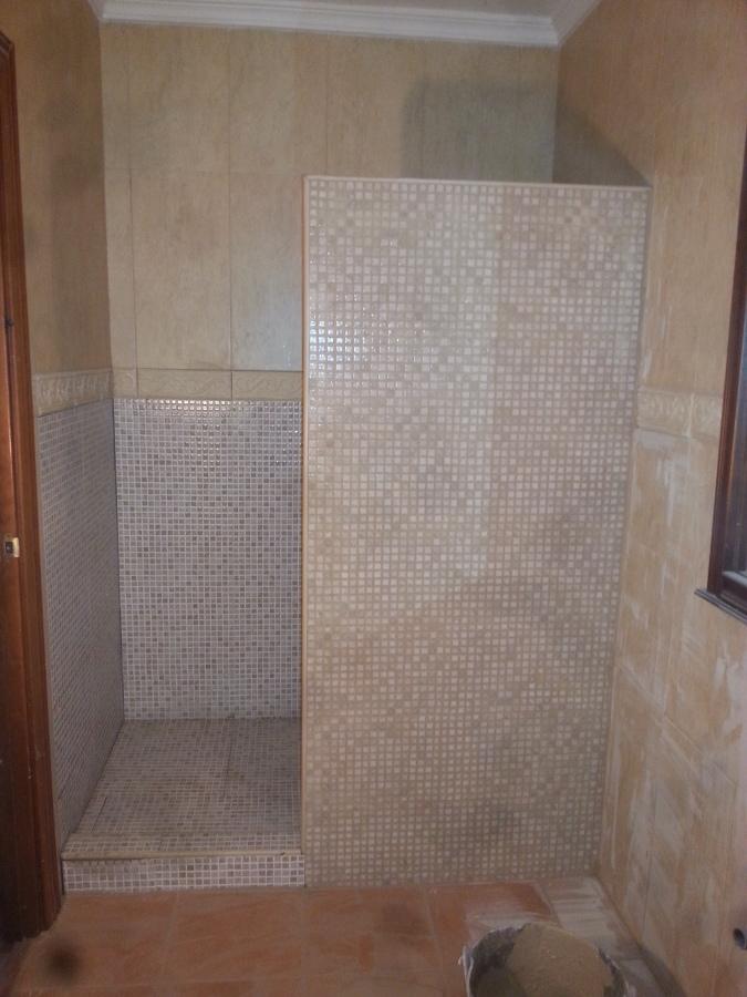 Foto plato de ducha de reformas f j m 746446 habitissimo for Jm decoracion granada