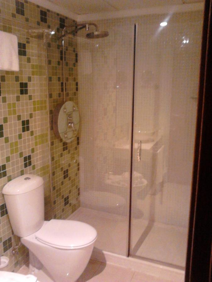 Foto plato ducha columna hidromasaje y mampara cristal - Mampara ducha cristal ...