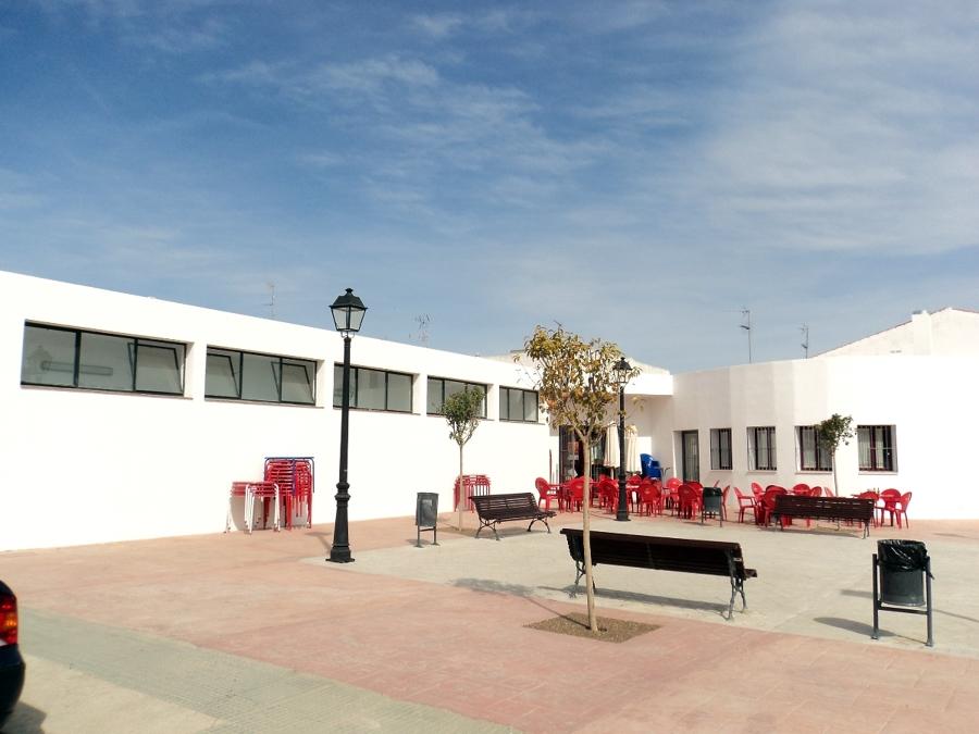 Foto plaza de abastos de tico azuaga 298323 habitissimo for Piscina abastos valencia