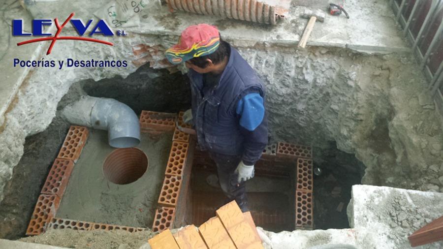 Trabajos de Pocería. Construcción de arqueta y pozo
