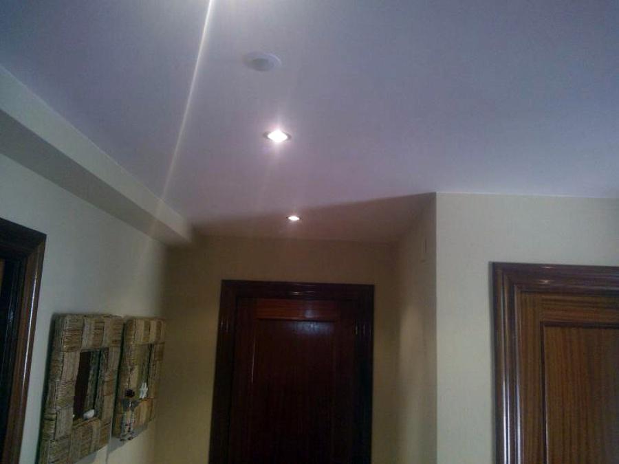 Foto poner focos y pintura de decoraciones en escayola torri 449258 habitissimo - Escayola decorativa techo ...