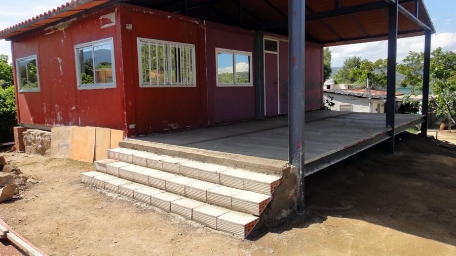 foto porche de aluminio y suelo de hormig n de reformas