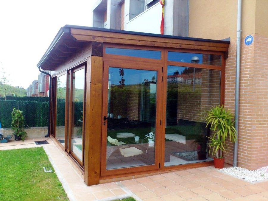Foto porche de madera de mia estudios y proyectos s l u - Puertas para porches ...