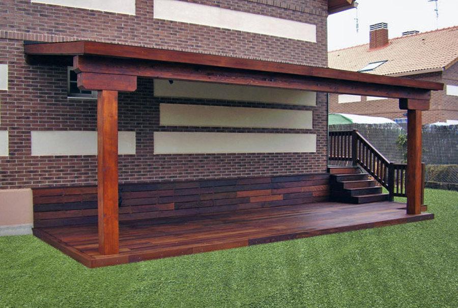 Foto construccion porche madera y colocacion cesped - Construccion de porche de madera ...