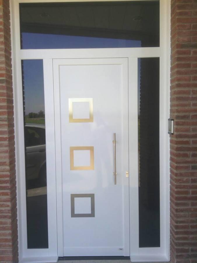 Puerta de entrada vivienda