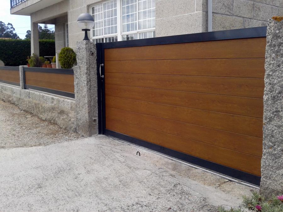 Foto portal corredera de aluminio y fijos en aluminio de - Portal de corredera ...