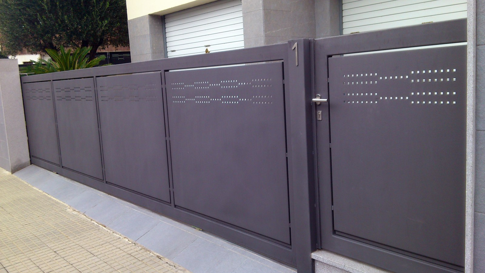 Portal y puerta de diseño
