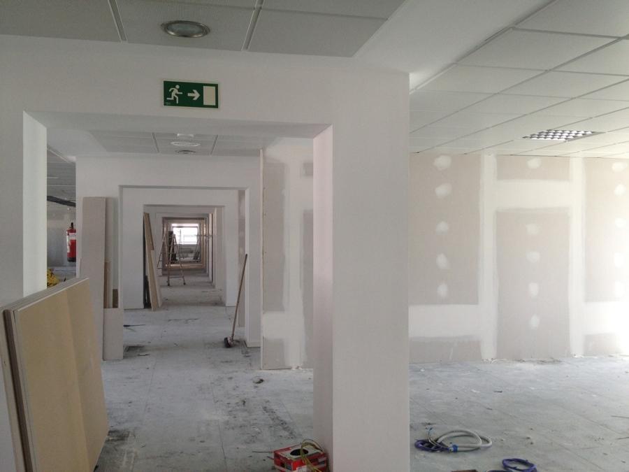 Implatanción de sistemas acústicos en los Laboratorios Ferring C/ Orense 8ª planta Madrid