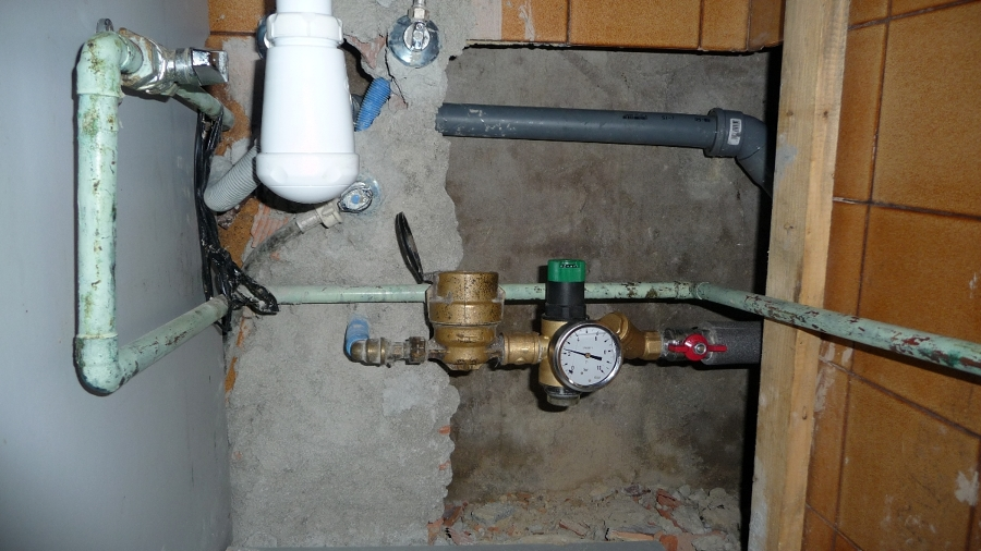 Proteccion de la vivienta con AMC filtro-regulador presion