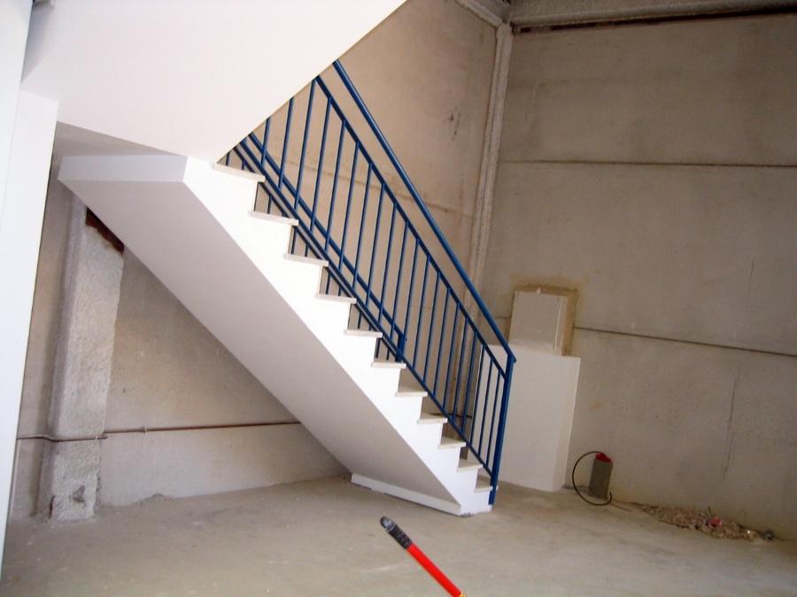 Protección RF de escaleras con placas stucal