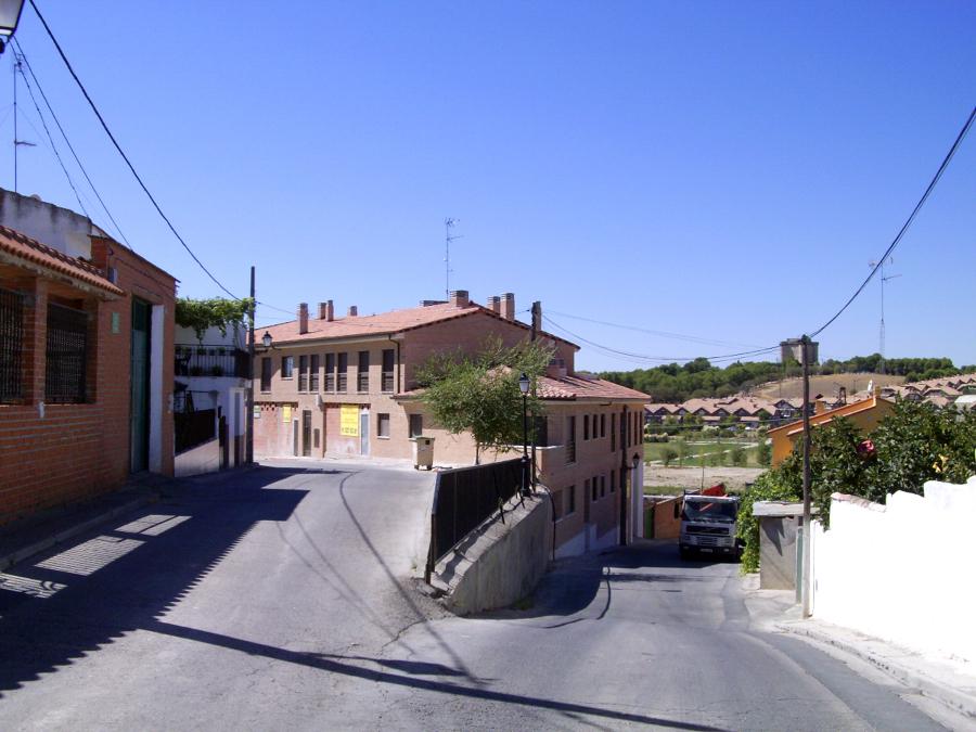 Proyecto, dirección y ejecución de edificio de 7 viviendas, locales, trasteros y garaje.