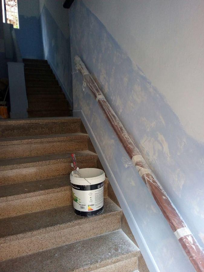 proyecto pintura interior caja escalera edificio 8.JPG