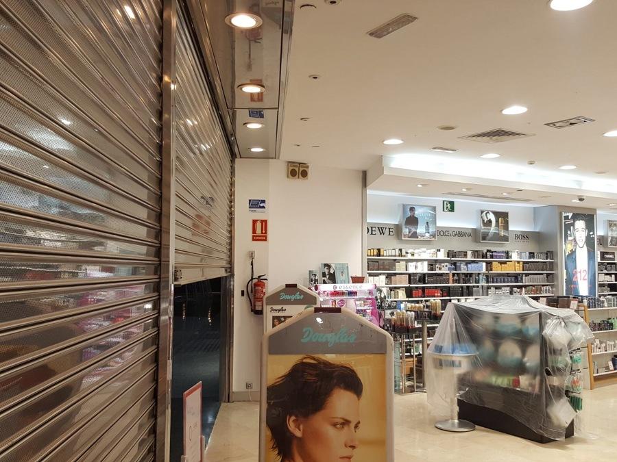 proyecto pintura interior perfumeria Douglas El muelle 4.JPG